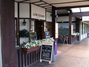 Rotorua Restaurants - Lewishams Cafe & Restaurant