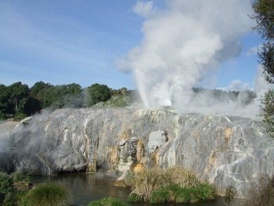 Rotorua Geysers - Four Feathers and Pohutu at Te Puia Thermal Reserve