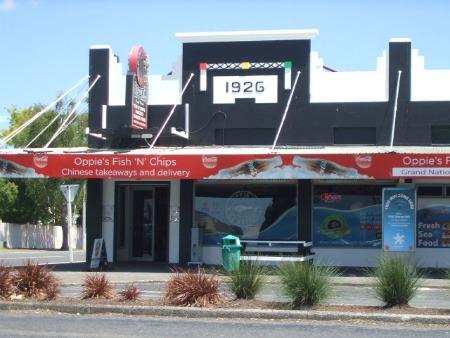 Oppie's Fish & Chip shop, Rotorua, NZ