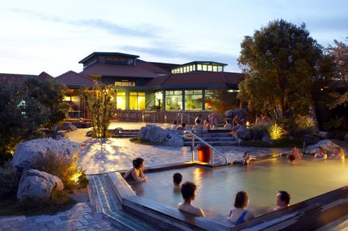 © Polynesian Spa Adult Pools, Rotorua, NZ