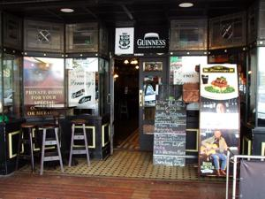 Rotorua Pubs - Hennessy's Irish Bar